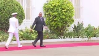 DRAMA AT STATEHOUSE AS UHURU AND HIS BODYGUARD DANCE TO UNKNOWN TUNE AFTER ADDRESING THE MEDIA, LOOK