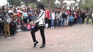 Michael Jackson Peruano Jhon Palacios Enseña El Paso Mas Famoso