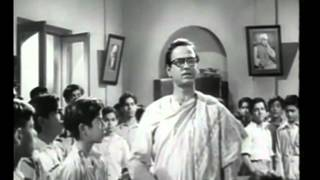 Is Desh Ko Rakhna Mere Bacho Sambhal Ke   - YouTube