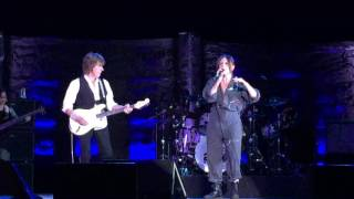 Jeff Beck feat. Rosie Bones | Live in the Dark | Loud Hailer Tour