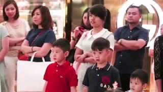 Christmas Sing Mob - Plaza Indonesia