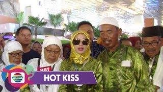 HOT KISS - BERSYUKUR!! Zaskia Gotik Boyong Keluarga Umroh ke Tanah Suci