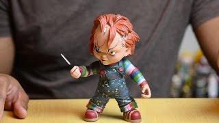 Mezco Child's Play Chucky Vinyl Figure Review