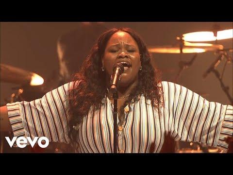 Tasha Cobbs Leonard - Gracefully Broken (Live At Passion City Church)