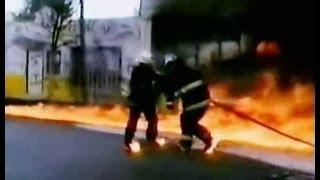 Сильный пожар на заводе