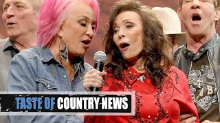 Loretta Lynn Sings 'Coal Miner's Daughter' And We're Stunned!