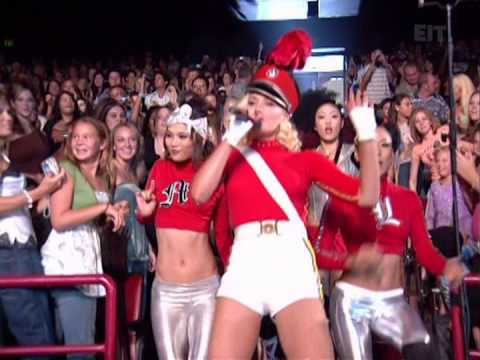 Gwen Stefani   Hollaback Girl Live at Teen Choice Awards 2005