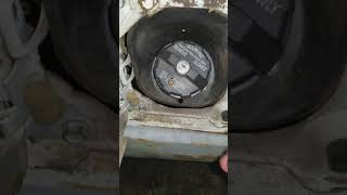 How to remove a locking gas cap without the key