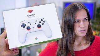 """Primeras impresiones de Google Stadia. ¿Será el futuro de los videojuegos? EL TELEFONO DE TUS SUEÑOS GRATIS!!! → https://bit.ly/35zpBGl  • SUSCRIBETE es GRATIS → http://bit.ly/1jnUItt  • Supercargadores de Tesla GRATIS → https://ts.la/anamaria11209  O dale este código al vendedor """"ANAMARIA11209""""   --------------------------------------------------------------------------------  • ¡ T E   R E C O M E N D A M O S !  Últimos Vídeos → https://bit.ly/2L0GLnq  Mejores Teléfonos → Samsung 10s - https://bit.ly/2L0H9SU  → Huawei 30s - https://bit.ly/2ZdOEv2  → iPhone Xs - https://bit.ly/2L0NLk6   Teléfonos Espectaculares  → https://bit.ly/2Z26oOG  Compramos un Tesla  → https://bit.ly/2Kq4Xk1  Duras Pruebas → https://bit.ly/2za0HyM  Descontrol en Tecnonauta →  https://bit.ly/2KMco5u  --------------------------------------------------------------------------------  • ¡ R E D E S   S O C I A L E S !  Instagram: @tecnonautatv - https://www.instagram.com/tecnonautatv Twitter: @tecnonautatv - https://twitter.com/TecnonautaTV Facebook: @tecnonautacom - https://www.facebook.com/TECNONAUTAcom  • M A R T Í N  Instagram: @martyncuevas - https://www.instagram.com/Martyncuevas Twitter: @martyncuevas - https://twitter.com/Martyncuevas  • A N N A  Instagram: @annaclxy - https://www.instagram.com/Annaclxy Twitter: @annaclxy - https://twitter.com/AnnaCLXY  --------------------------------------------------------------------------------  • C O N T A C T O   P R O F E S I O N A L → tecnonautatv@gmail.com"""