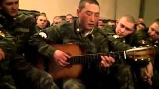 Алтаец исполняет в армии
