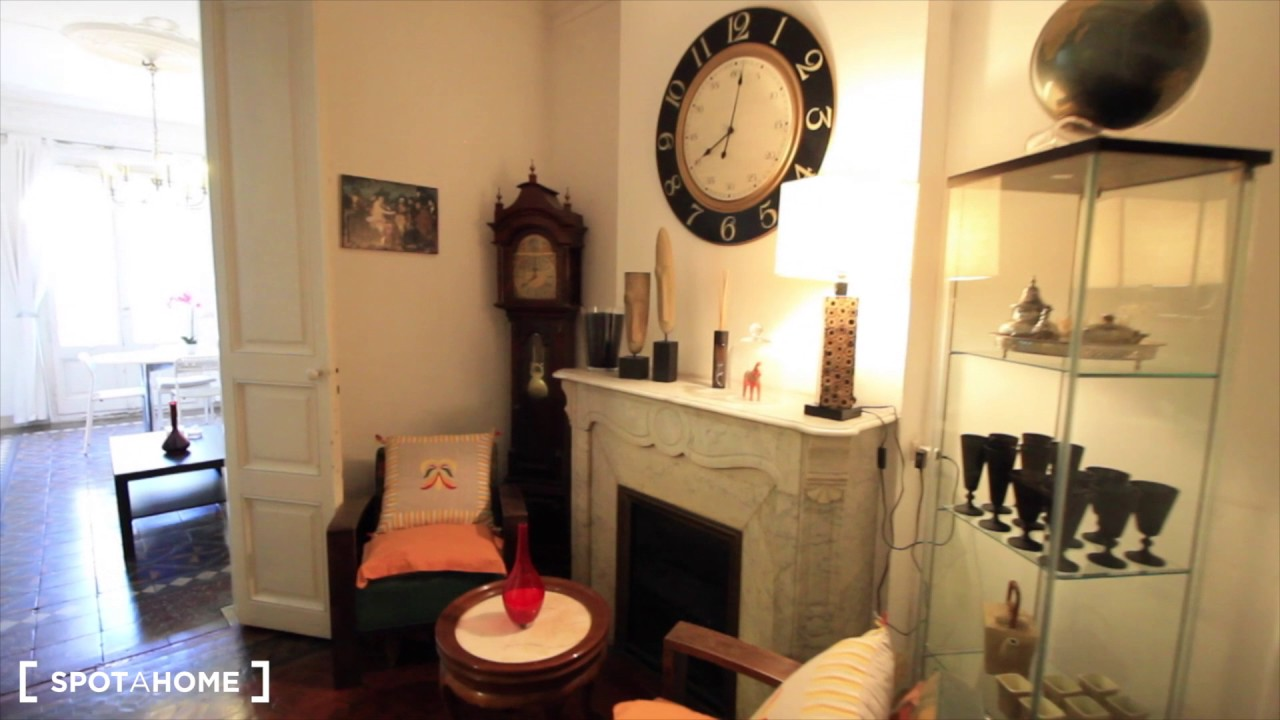 Rooms for rent in spacious 5-bedroom apartment in Eixample