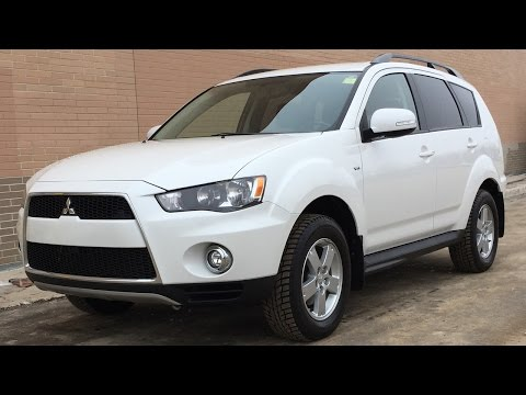 2013 Mitsubishi Outlander LS 4WD - Alloy Wheels, Backup Camera, HUGE VALUE