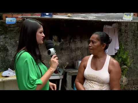 Moradora pede providências sobre dois terrenos abandonados na Barra dos Coqueiros - BALANÇO GERAL