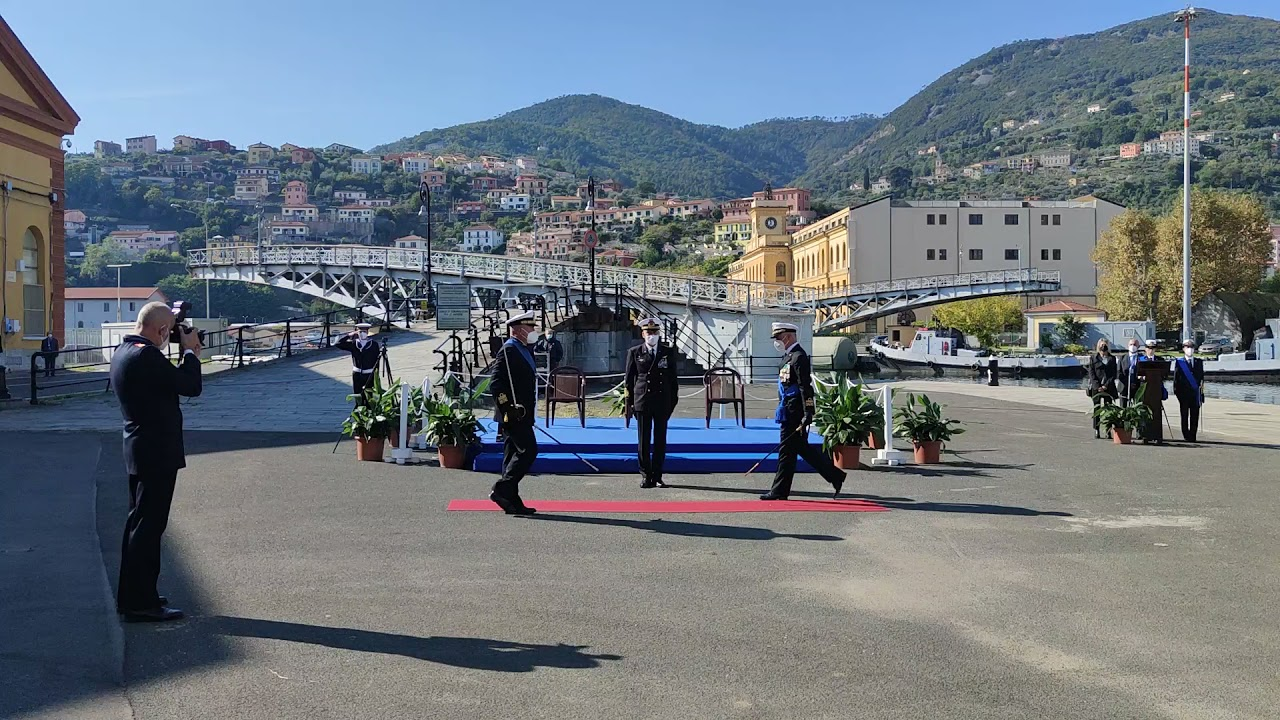 L'avvicendamento al vertice del Comando marittimo Nord tra l'ammiraglio Giorgio Lazio e l'ammiraglio Pierpaolo Ribuffo