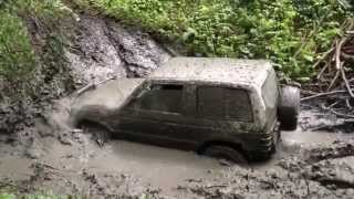 Mitsubishi Pajero 3500 V6 ... extrem race in mud
