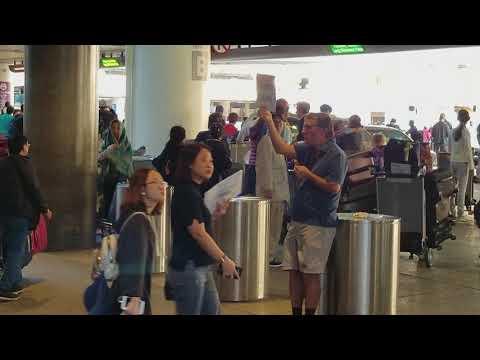 lax airport police on a man1st amendment freedom of speech at Lax