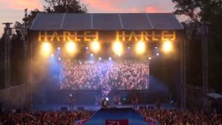 HARLEJ live - začátek plzeňského koncertu Plzeň Plaza