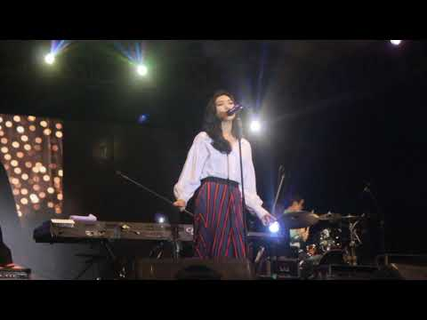 Isyana Sarasvati - Intro 'PARADOX' + Keep Being You | Renaissance 2.0 (Surabaya, 1 Desember 2018) - Cita Tiara Hanni