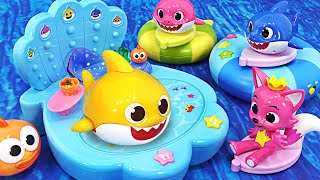 Let's play with baby sharks at the sea playground that dances round and round~   PinkyPopTOY