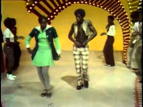 The O'Jays - Put Your Hands Together (Soul Train Line) DANCERS THE BEST!