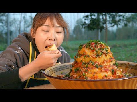 秋妹今天吃火山土豆泥,拌上一盆肉沫醬,一不小心吃撐了! 【顏美食】