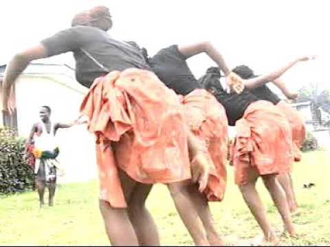 Akilo - Woman Wrapper (Official Video)