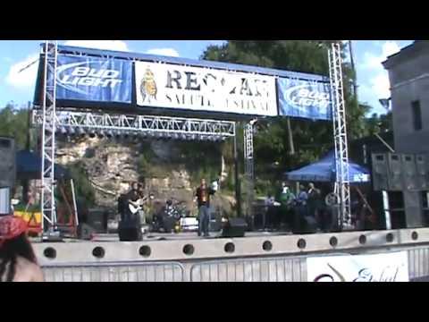 Jahn Ti performs at Reggae Salute Festival 2010 alongside Dub Gideon Band.flv
