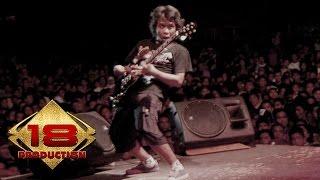 Gambar cover Edane - Kaupikir Kaulah Segalanya  (Live Konser Malang 04 November 2005)