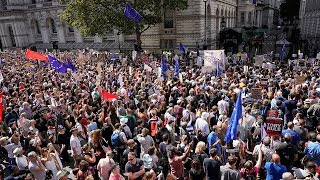 video: Protesters bring London to standstill with demonstration against parliament suspension 'coup'