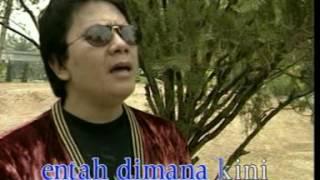 Gambar cover Benny Panjaitan - Gereja Tua (Official Music Video)