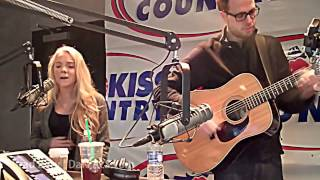 Danielle Bradbery 'My Day' live, acoustic, WOW!