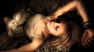 Earl Thomas Conley - Holding Her And Loving You.avi