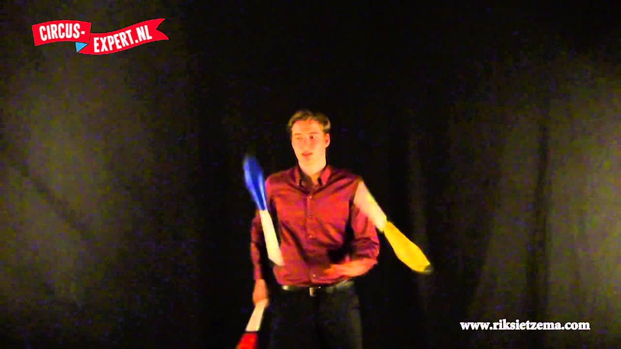 product video Mr. Babache Artist jongleerkegel
