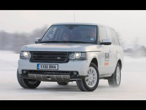 Range Rover Drifting in Snow
