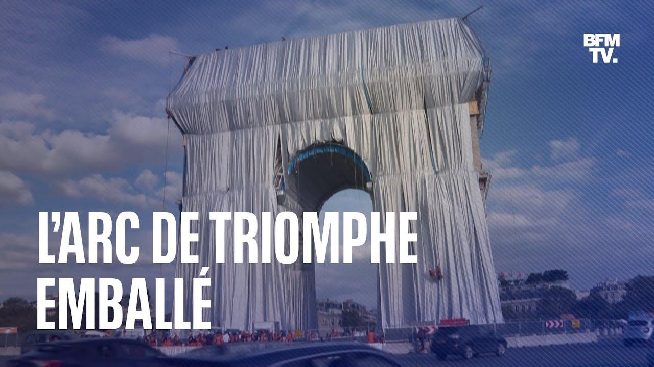L'Arc de Triomphe se transforme en un géant paquet-cadeau