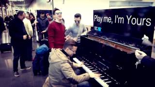 Un piano nell'Aeroporto di Charleroi - Matthew Lee rocks the Charleroi Airport #playmeimyours