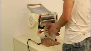 Лапшерезка электрическая профессиональная (с тестораскаткой) от компании Группа Интернет-Магазинов GiX - видео