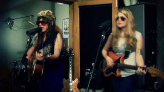 "Those Darlins - ""DUI Or Die"" - Lake Fever Sessions"