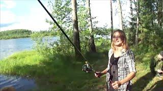 ДЕВУШКИ И РЫБАЛКА - ( ЧЕРВИ В ШОКЕ ). Озеро Черное.