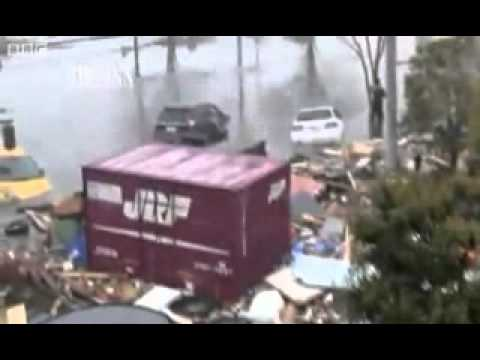 New Shocking Rare Video: Running From Tsunami In Japan, Real Footage (earthquake 2011) Mp3