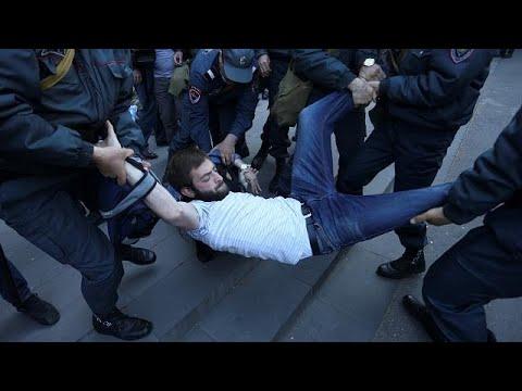 Αρμενία: Συλλήψεις ηγετών της αντιπολίτευσης και διαδηλωτών