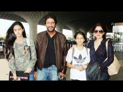 Ananya Pandey Family Photos - Father, Mother, Grandfather, Grandmother & Sister!!!