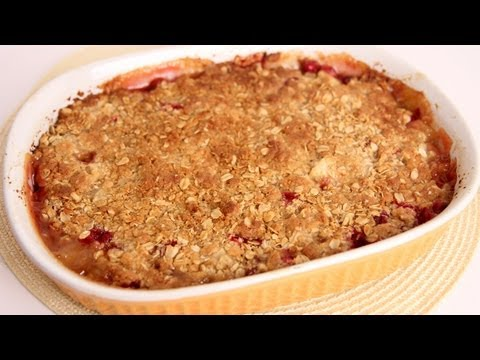 Ginger Pear & Cranberry Crisp Recipe – Laura Vitale – Laura in the Kitchen Episode 498