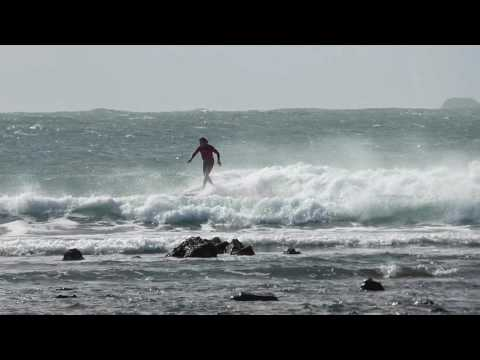 Surfing fun waves at Arrawarra