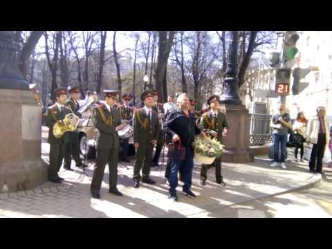 поздравление с Днём Рождения с военным оркестром и военным хором