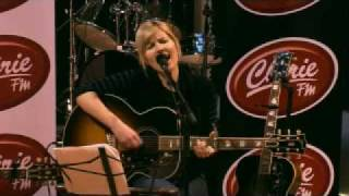 Dido - Grafton Street (live on Chérie FM)
