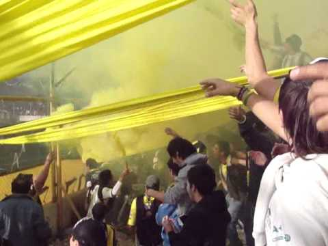 """Recibimiento Al Equipo Aurinegro ~"" Barra: La Incomparable • Club: Deportivo Madryn"