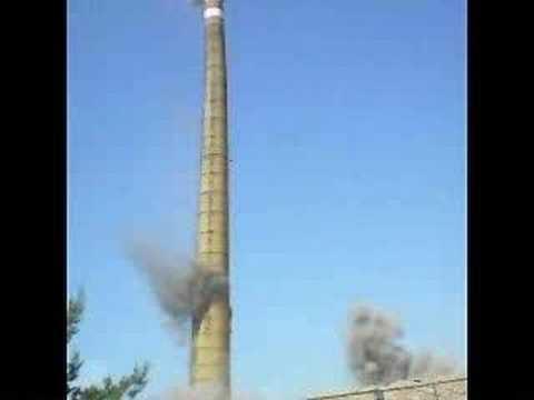 Wyburzenie komina w Kątach Wrocławskich