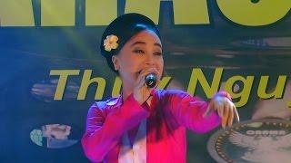 NSƯT Thu Huyền hát văn Cô Đôi Thượng Ngàn trên sk OBAMA