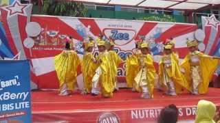 Dhinara Dan Teman2 Kelas 1C Sd Jaya Suti Abadi 2013